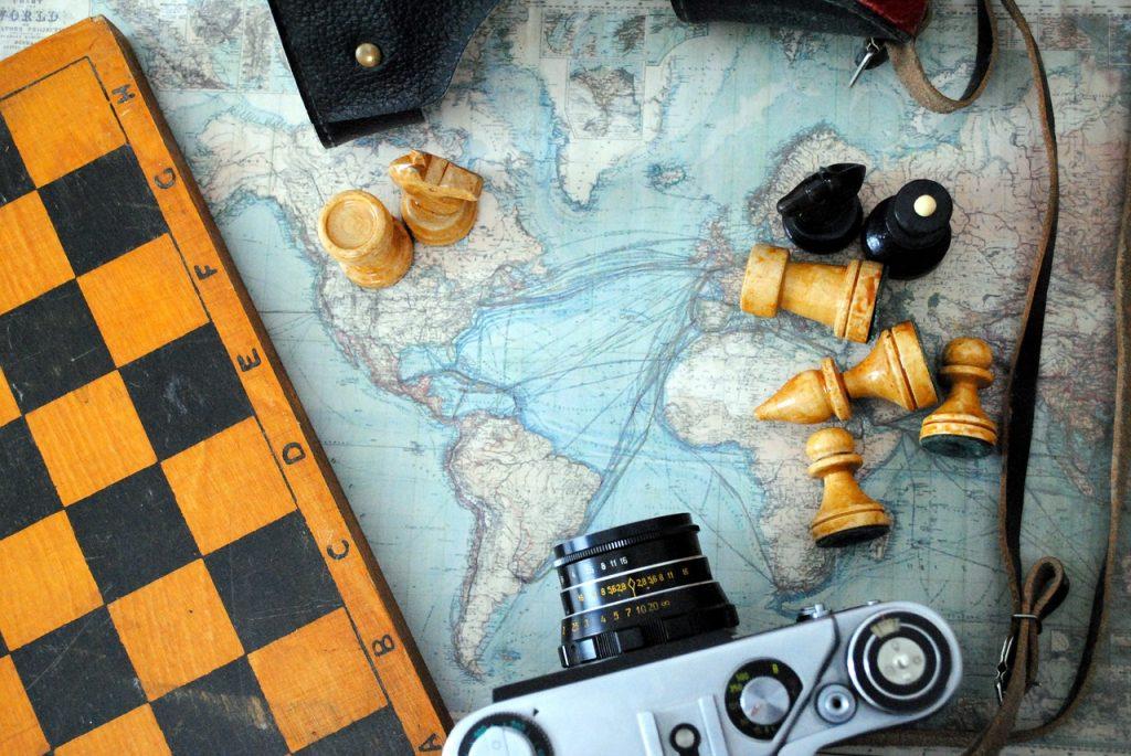 chess, camera, world map-2258804.jpg